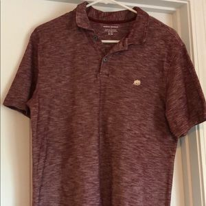 Banana Republic Maroon Distressed Size Medium Polo